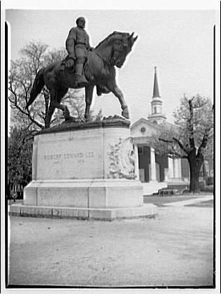 rel-statue