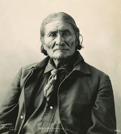 800px-GeronimoRinehart
